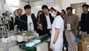 Việt Nam có thể sản xuất 3 triệu chiếc khẩu trang mỗi ngày