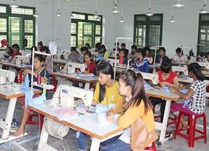 Sắp xếp lại cơ sở giáo dục nghề nghiệp: Hạn chế mở rộng trường công