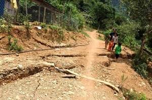 Nghệ An: Khẩn thiết di dời 14 hộ dân vùng sạt lở