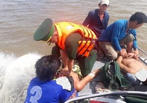 Kiên Giang: 5 thuyền viên bị ngạt khí trên biển, 2 người đã tử vong