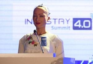 [Infographics] Những điều thú vị về Sophia - robot đầu tiên được cấp quyền công dân