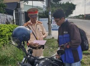 Quảng Nam: 1 tháng hơn 2.000 trường hợp mô tô, xe máy vi phạm an toàn giao thông