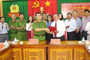Khánh Hòa: MTTQ tỉnh, các tổ chức thành viên và Cảnh sát PC&CC ký kết chương trình phối hợp