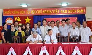 Kon Tum: Ký kết giao ước thi đua chào mừng đại hội MTTQ Việt Nam