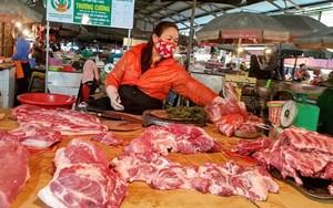 Vẫn còn rào cản, giá thịt lợn khó giảm