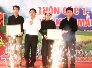 Lào Cai công bố thôn kiểu mẫu Cóc 1, Cóc 2 xã Tả Phời