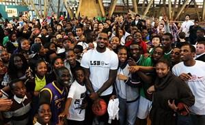 LeBron James đến Lakers hoàn toàn vì bóng rổ?