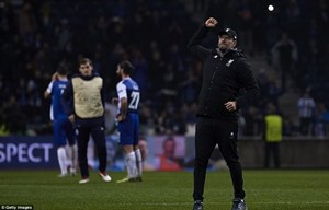 Liverpool giành chiến thắng hủy diệt ngay trên sân của Porto