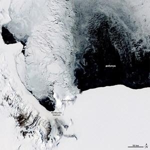 Lỗ hổng khổng lồ xuất hiện ở Nam Cực