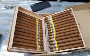 Hải quan sân bay Tân Sơn Nhất tạm giữ lô xì gà vận chuyển trái phép