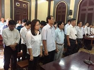 'Lợi dụng chức vụ…', nhiều cựu lãnh đạo MHB hầu tòa