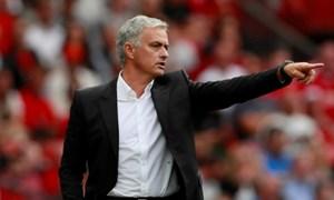 Man Utd tung chiêu giữ chân Mourinho trước PSG
