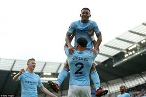 Manchester City thắng hủy diệt 7-2, Chelsea nếm 'trái đắng'