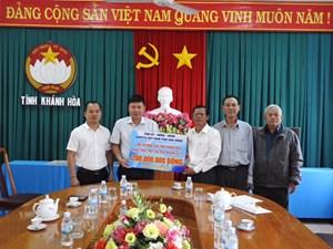 Mặt trận Đắk Nông ủng hộ đồng bào tỉnh Khánh Hòa bị thiệt hại do bão số 12