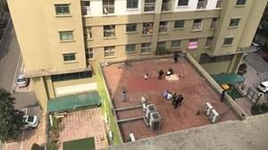 Mâu thuẫn với gia đình, người đàn ông nhảy từ tầng 11 xuống đất
