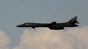 Máy bay ném bom Mỹ tập trận cùng Hàn- Nhật
