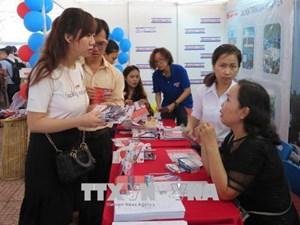 Mở rộng cơ hội việc làm cho sinh viên ngành y