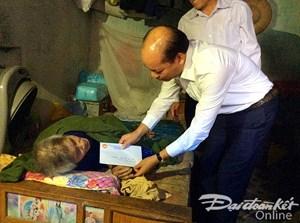 MTTQ hỗ trợ xây dựng nhà ở, khám chữa bệnh cho hộ nghèo