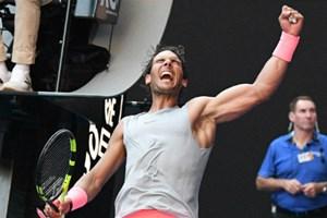 Nadal chật vật vào tứ kết Australia Mở rộng
