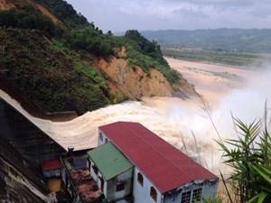 Nếu mưa tiếp tục, chiều nay, nhiều xã thuộc huyện Hương Khê sẽ chìm trong biển nước