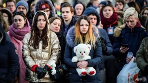 Người dân Nga tưởng niệm các nạn nhân trong vụ hỏa hoạn