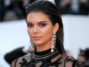 Người nổi tiếng: Kendall Jenner kiếm tiền siêu nhất làng mẫu