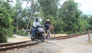 Quảng Nam, Quảng Ngãi: Hiểm họa đường ngang dân sinh