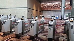 Nhà ga hàng không với hệ thống đăng ký tự động hoàn toàn