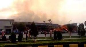 Nhà máy xơ sợi ở Quảng Ninh bốc cháy dữ dội