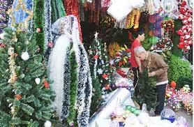 Phong phú các mặt hàng phục vụ giáng sinh