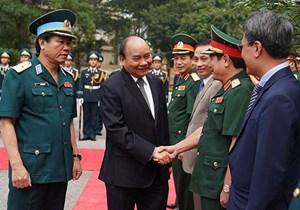 Thủ tướng thăm lực lượng nòng cốt bảo vệ không phận, mặt đất, biển đảo của Tổ quốc