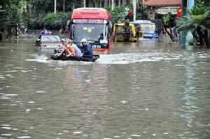 Nước dâng mạnh tại các sông, nhiều công trình sạt lở tại Quảng Ninh