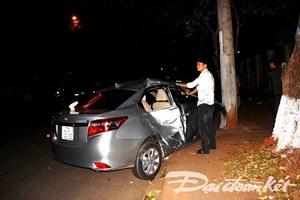Ôtô chạy tốc độ cao lao vào xe máy, 4 người thương vong