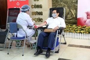 Ban Kinh tế Trung ương tổ chức hiến máu tình nguyện