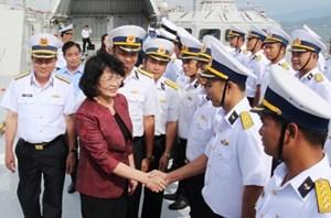 Phó Chủ tịch nước Đặng Thị Ngọc Thịnh thăm Căn cứ quân sự Cam Ranh