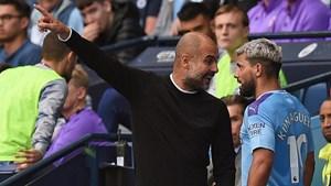 Pep và Aguero tranh cãi gay gắt trong trận hòa của Man City