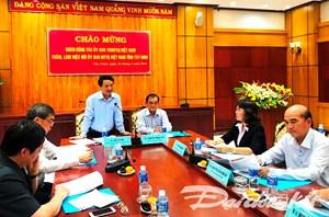 Phó Chủ tịch - Tổng Thư ký Hầu A Lềnh làm việc với Mặt trận tỉnh Tây Ninh
