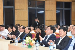 Phó Thủ tướng Phạm Bình Minh dự Ngày hội Đại đoàn kết phường Liễu Giai