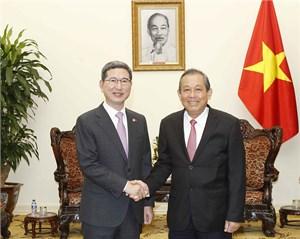 Phó Thủ tướng Trương Hòa Bình tiếp Chủ tịch Nhóm Nghị sĩ hữu nghị Hàn Quốc - Việt Nam