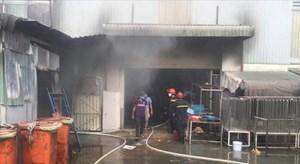Bình Dương: Cháy lớn gây thiệt hại nhiều tỷ đồng tại công ty sản xuất giày dép