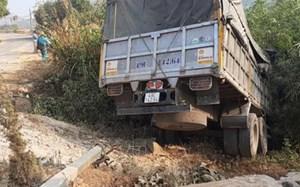 Lâm Đồng: Xe tải lao xuống vực, tài xế mắc kẹt và tử vong