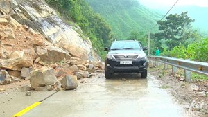 Quảng Nam: Mưa lớn kéo dài, gây sạt lở và ngập nặng