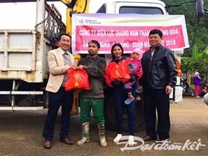 Quảng Nam: Tặng 533 suất quà Tết cho đồng bào Cơ Tu
