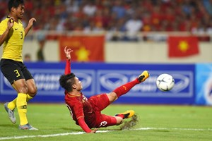 Nhìn lại trận thắng của ĐTQG Việt Nam trước Malaysia: Đẳng cấp Quang Hải, bản lĩnh Việt Nam