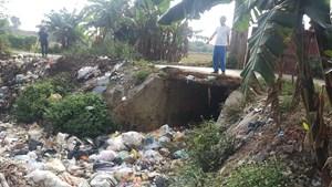 Xã nông thôn mới loay hoay với... rác