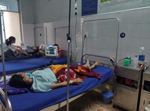 Quảng Bình: Bác sĩ và dược sĩ cùng hiến máu hiếm để cứu sản phụ