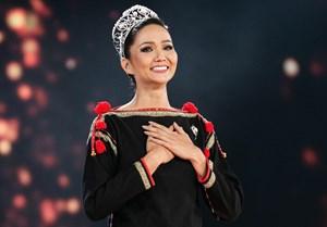 Showbiz Việt 2019: Những điểm sáng  không le lói