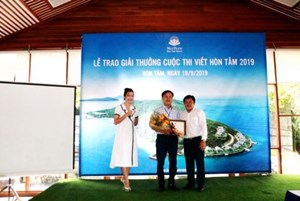 Trao giải cuộc thi viết về Nha Trang