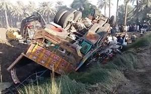 Tai nạn giao thông nghiêm trọng ở Pakistan, ít nhất 20 người chết