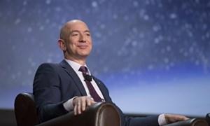 Tài sản người giàu nhất thế giới vượt 105 tỷ USD